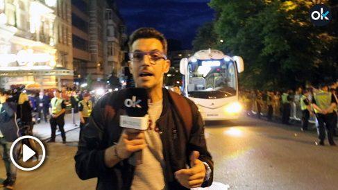 Látigo Serrano, a la llegada del Real Madrid a su hotel en Kiev. (Vídeo Enrique Falcón)