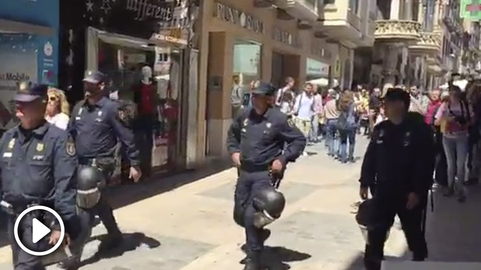 Gritos y acoso a la Policía en Reus.