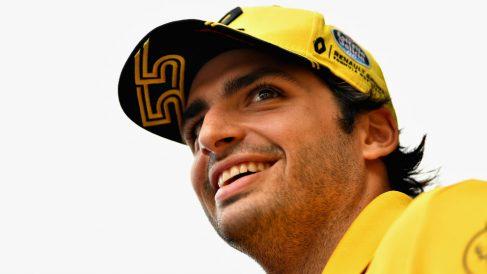Carlos Sainz ha reconocido que su compañero de equipo Nico Hulkenberg lleva mejoras en su coche que de momento a él no le ha facilitado Renault. (Getty)