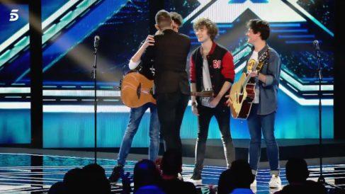 El beso de Risto al grupo Malva en 'Factor X'