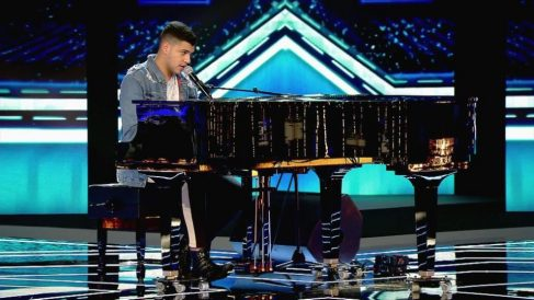 Riduan emociona al piano en 'Factor X'
