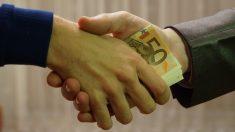 Todos los pasos para reconocer billetes falsos de diferentes maneras
