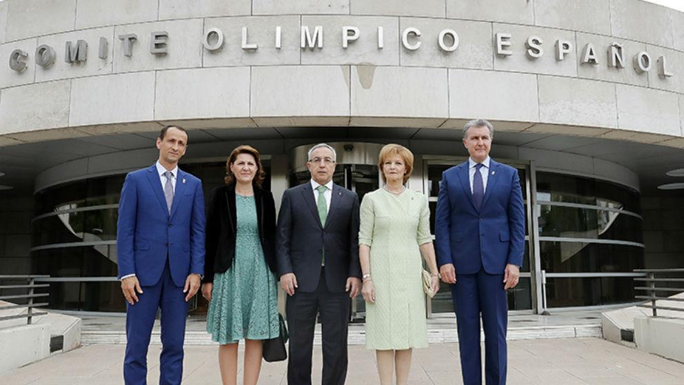 El presidente del COE recibió a los mayores dirigentes del deporte de Rumanía.