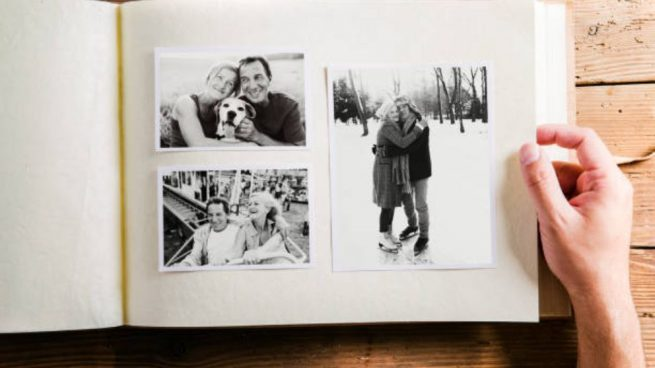 C mo hacer un lbum de fotos de manera f cil paso a paso - Hacer un album de fotos casero ...