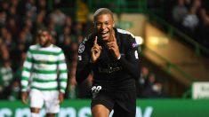 Kylian Mbappé celebra un gol con el PSG (Getty)