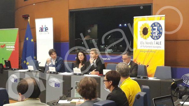 Podemos, Bildu, ERC y PDeCAT organizan un acto antiespañol en la Eurocámara