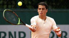 Munar conecta una volea en Roland Garros. (Getty)