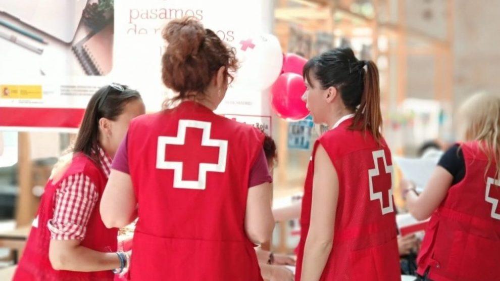 Empleados de Cruz Roja.