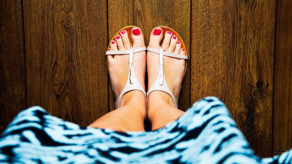 Aprende aquí a elegir sandalias para el verano que no te hagan daño