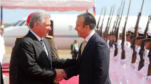 El dictador cubano Miguel Díaz-Canel, recibido en Caracas por el segundo de la tiranía de Venezuela, Taareck El Aissami.
