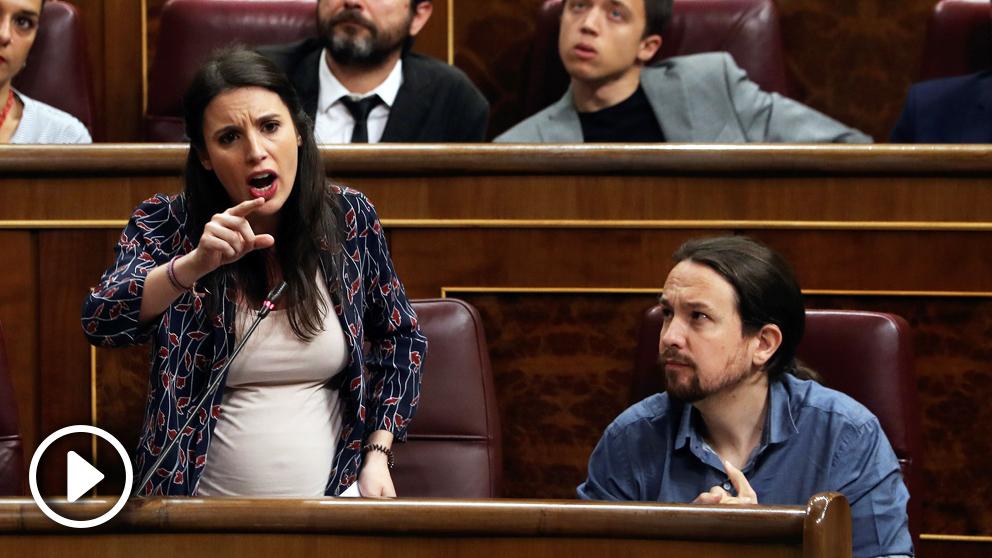 Irene Montero y Pablo Iglesias en el Congreso de los Diputados. (Foto: EFE)