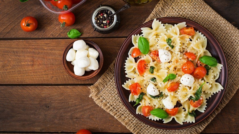 Receta de Ensalada de pasta caprese típica Italiana fácil de preparar