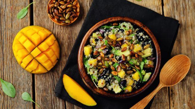 Ensalada De Quinoa Aguacate Y Mango