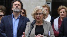 Mauricio Valiente, edil de Chamartín, y Manuela Carmena. (Foto. Madrid)