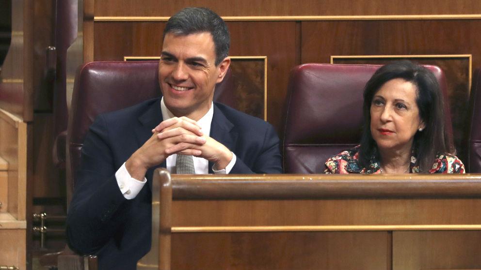 Pedro Sánchez y Margarita Robles en una imagen reciente. (Foto: Efe)