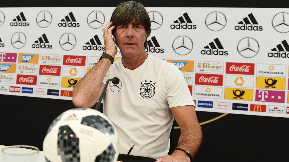 Joachim Löw, en una rueda de prensa con la selección de Alemania. (AFP)