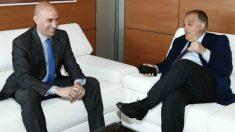 Luis Rubiales y Javier Tebas, en la reunión mantenida en la RFEF. (rfef.es)