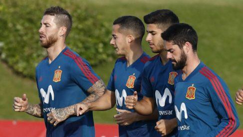 Sergio Ramos, Lucas Vázquez, Asensio e Isco, en un entrenamiento con la Selección. (Sefutbol)