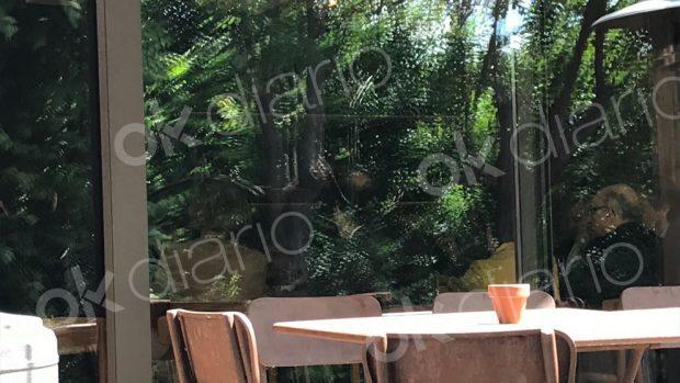 Mariano Rajoy con sus ministros en el restaurante Filandon. (Foto: OKDIARIO)Mariano Rajoy con sus ministros en el restaurante Filandon. (Foto: OKDIARIO)Mariano Rajoy con sus ministros en el restaurante Filandon. (Foto: OKDIARIO)Mariano Rajoy con sus ministros en el restaurante Filandon. (Foto: OKDIARIO)