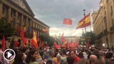 Decenas de miles de manifestantes en Pamplona contra la política lingüística del Gobierno de Uxue Barcos. (OKD)