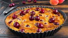 Receta de Pastel de albaricoques y cerezas fácil de preparar