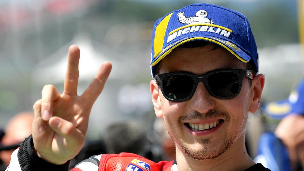 Lorenzo celebra la victoria en Mugello. (AFP)