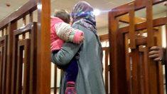 Melina Boughedir a su llegada a la corte iraquí en febrero cuando fue condenada por entrar ilegalmente en el país. Foto: AFP