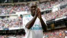Clarence Seedorf recibió el cariño del Bernabéu. (EFE)