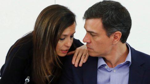 Beatriz Corredor con el presidente Pedro Sánchez. (Foto. PSOE)