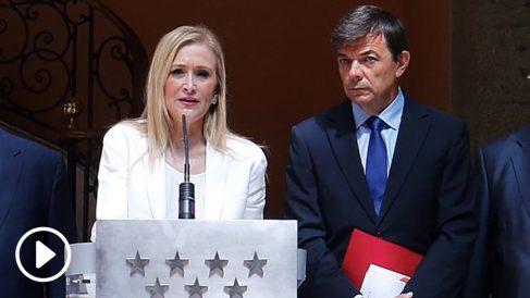 Cristina Cifuentes y el rector de la Complutense, Carlos Andradas. (Foto. CM)