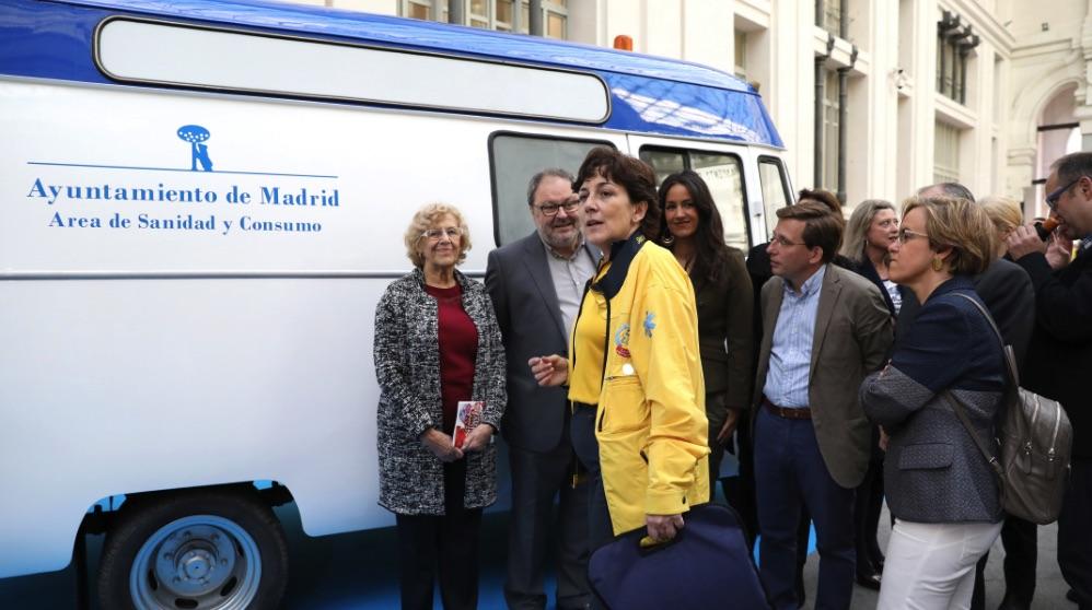 Manuela Carmena en un acto del Samur. (Foto. Madrid)