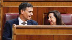 Pedro Sánchez y Margarita Robles. (Foto: PSOE)