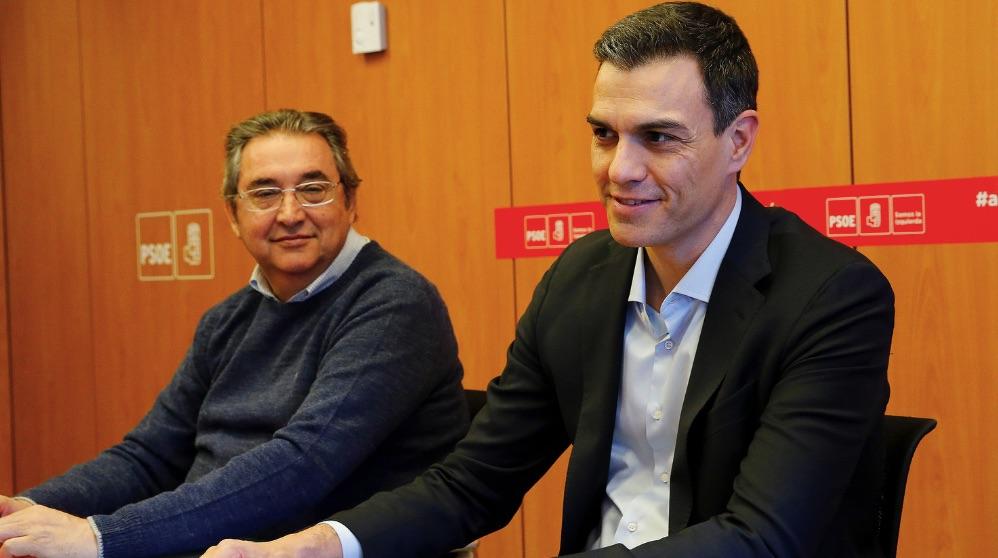 Toni Ferrer junto a Pedro Sánchez. (Foto. PSOE)