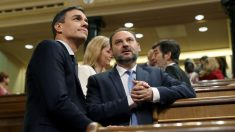 Pedro Sánchez junto con José Luis Ábalos (Foto: EFE/J.J. Guillén)