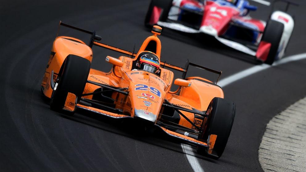Fernando Alonso podría llegar a la IndyCar en 2019 de la mano de McLaren, que tiene intención de desembarcar con todas las de la ley en el campeonato americano. (Getty)