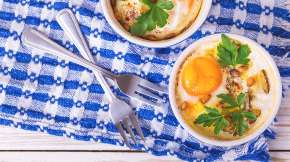 Receta de huevos en cocotte - Cocinar en cocotte ...