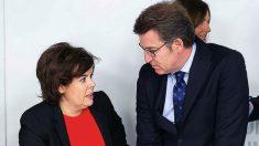Soraya Saénz de Santamaría y Alberto Núñez Feijóo. (Foto: PP)