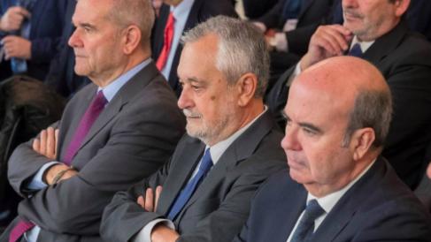 Los ex presidentes Manuel Chaves y José Antonio Griñán y el consejero Gaspar Zarrías durante el juicio del caso ERE