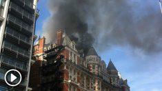 Incendio en un hotel de Londres, el Mandarin Oriental, junto a los almacenes Harrods.