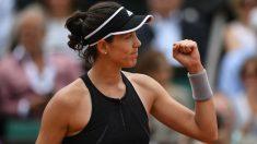 Garbiñe Muguruza celebra su victoria ante Sharapova. (AFP)