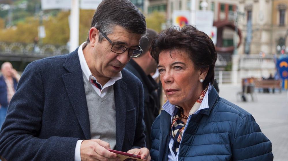 Patxi López e Isabel Celáa. (Foto. PSOE vasco)