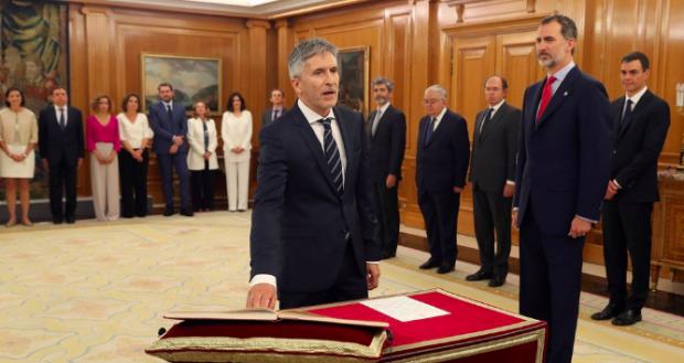 Fernando Grande-Marlaska promete su cargo de ministro del Interior ante el Rey