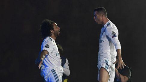 Marcelo y Cristiano Ronaldo, en la celebración de la Decimotercera. (AFP)