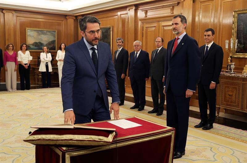 Màxim Huerta jura el cargo de ministro de Cultura
