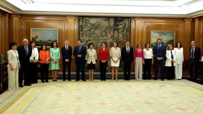 Los ministros de Pedro Sánchez juran el cargo en el Palacio de la Zarzuela. Foto: EFE