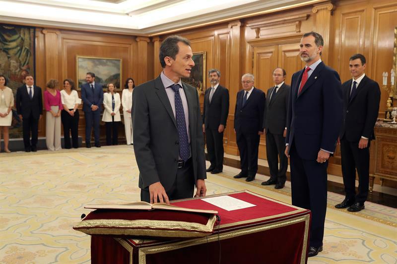Pedro Duque jura el cargo de ministro de Ciencia