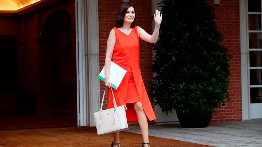 La ex ministra de Sanidad, Carmen Montón llegando al Palacio de la Moncloa para el primer Consejo de Ministros presidido por Pedro Sánchez. Foto: EFE
