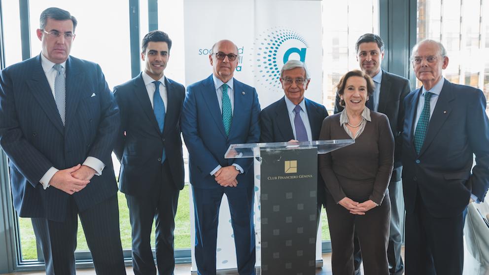 De izquierda a derecha:  Alfredo Dagnino Guerra, Juan Gonzalo Ospina, Aldo Olcese, Rafael Ansón, Victoria Prego, José Rosiñol y Ignacio Buqueras.
