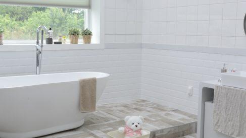 Pasos para pintar una bañera o plato de ducha de forma correcta