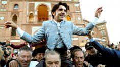 Diego Ventura sale a hombros este sábado en Las Ventas (Foto: Efe).